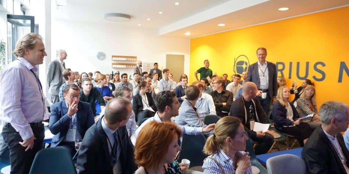 1_ECN_CrowdCamp_Plenum